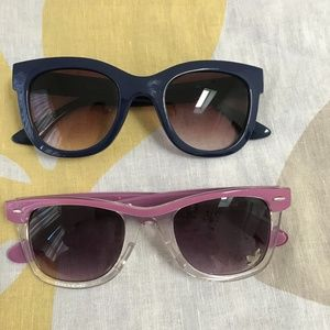 2 pairs of Sunnies Aldo dark blue Selena pink duo